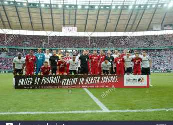 Beste ... Located In, Heart Of Europe., Slogan, The German EM Application 2024. Both Teams, Posing, The Photo. GES/Football/DFB Pokal: Final: